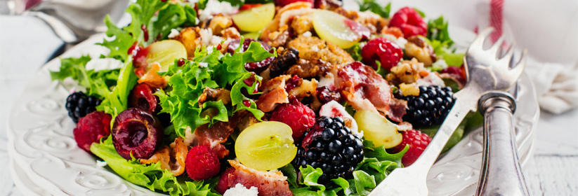 Fresh Berry & Bacon Salad